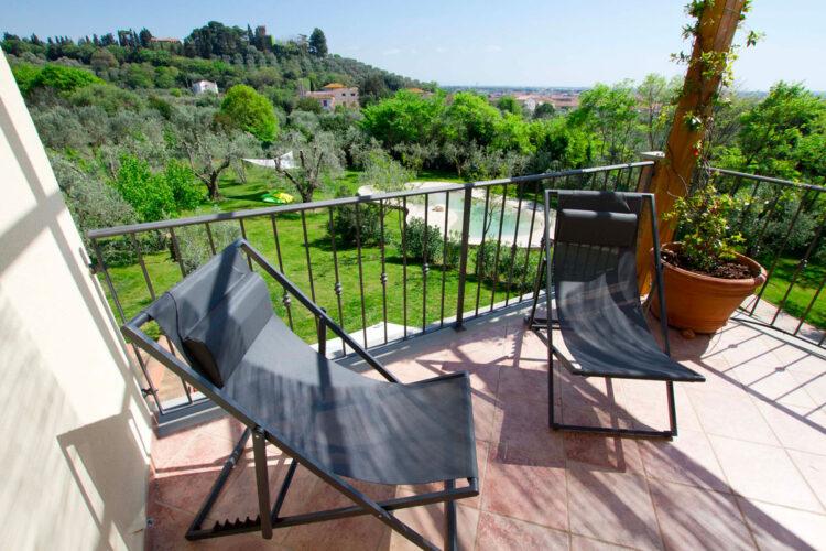 Appartamento vista piscina in Toscana